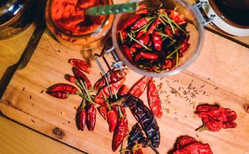 Beneficios chile ancho seco